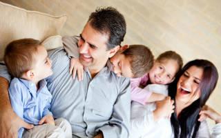 И младших детей в семье. Средние дети следуют за остальными. Младших слишком балуют