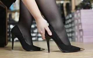 Как быстро разносить замшевые. Можно ли разнашивать сапоги и ботинки из замши. Как растянуть замшевую обувь на размер больше