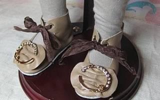 Как сшить сапожки для интерьерной куклы. Кожаные туфли: необходимые материалы и пошаговая инструкция. Вязаные туфли: необходимые материалы и пошаговая инструкция