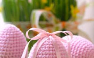 Яйца крючком к пасхе схемы и описание. Вязанное пасхальное яйцо крючком. Двухцветное вязаное яйцо с узором
