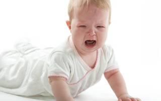 Что будет если ребенок упал с дивана. Ребенок упал с дивана или кровати вниз головой: какие будут последствия, что делать, что говорит Комаровский