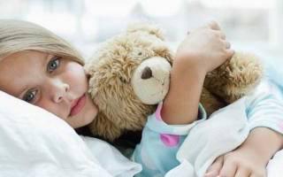 Что делать если тошнит ребенка 3 года. Ребенка тошнит: причины и лечение