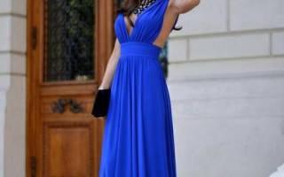 Что одеть на длинное платье сверху. Синее платье в пол: выбираем правильный фасон. Кому подходят длинные платья