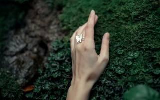 Что значит на каком пальце носить кольцо. Значение ношения колец на пальцах или как кольца влияют на судьбу